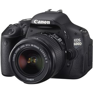 Canon EOS 600D Kit inklusive EF-S 18-55 mm f/3.5-5.6 IS II